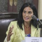 Andrea Bussade orgulho autista