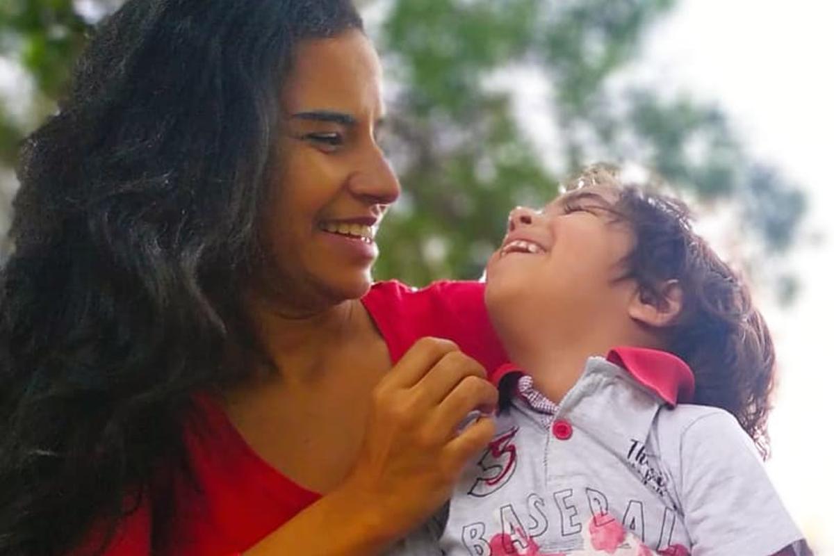 mundo autista - Flávia Souza, mãe de autista