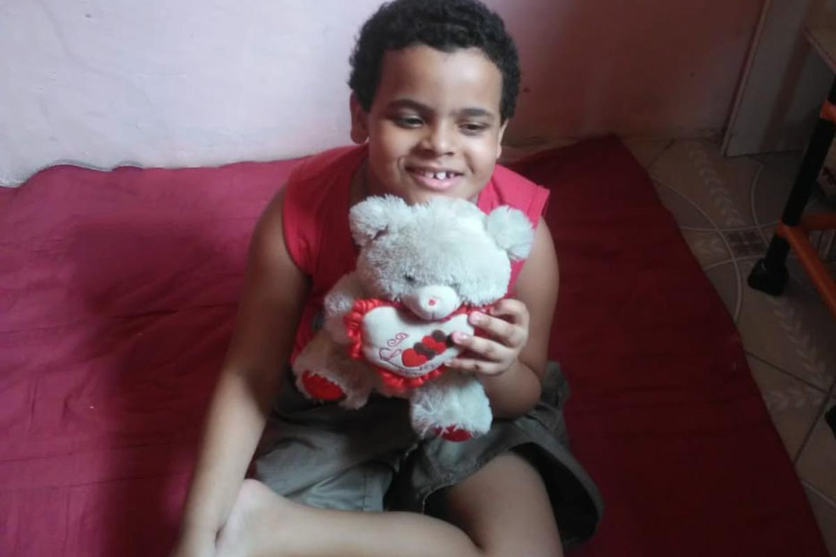 Abraão, menino autista